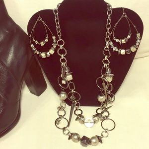 Jewelry - Gunmetal mixed material circle necklace & earrings